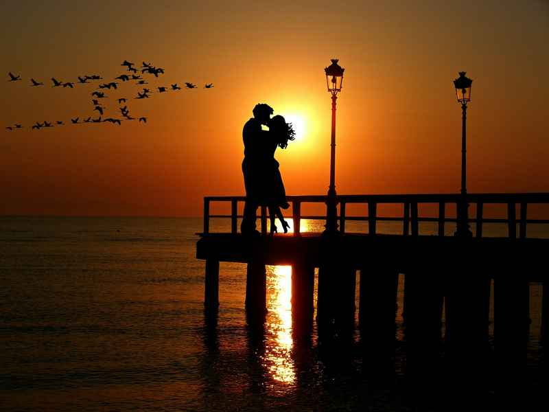 lovers-2249913_1920.jpg