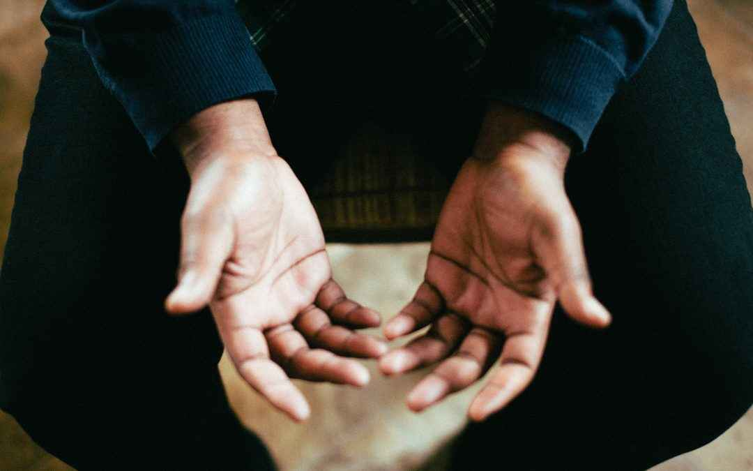 Image | Blog | Blank Image Hands