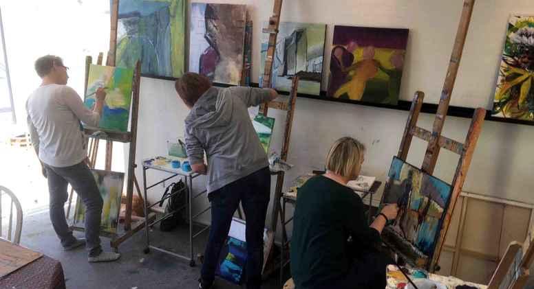 Onsdag formiddag på Kunstskolen Sønderbygaard