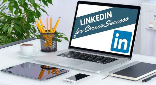 Linkedin_for_career_success_laptop_simplero__1_.jpg