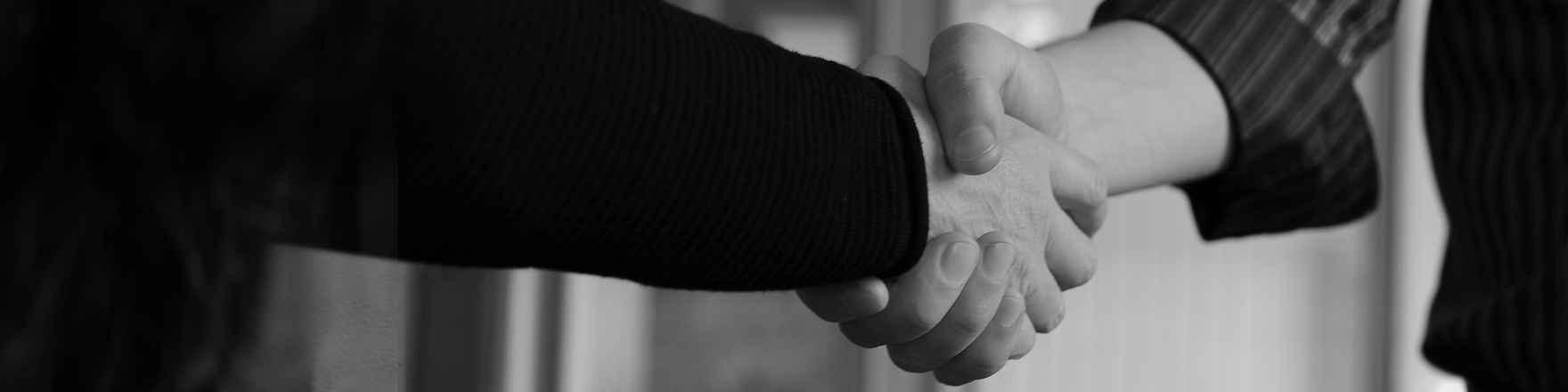 Handshake_2880.jpg