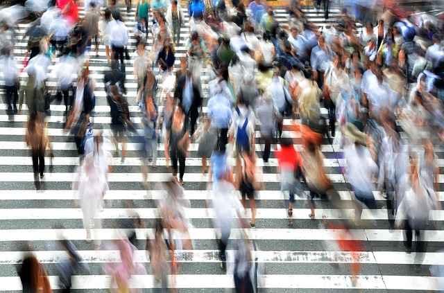 pedestrians-400811_640.jpg