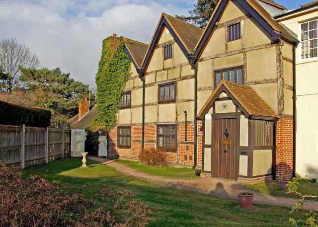 Fitznells-Manor-by-Dennis-Turner.jpg