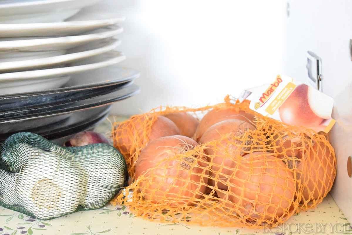 Uien, knoflook en sjalotten opbergen