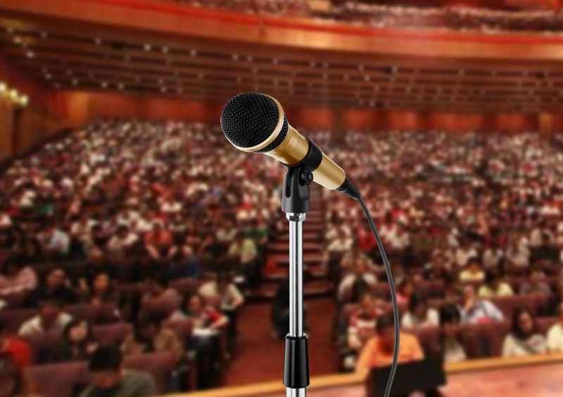 Mic-Audience-800x565.jpg