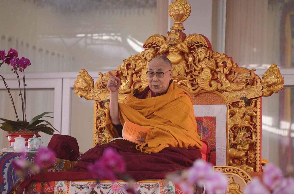 dalai-lama-dreamstime_l_107123784.jpg