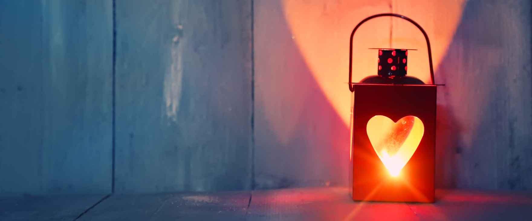 2097-aabning-af-dit-hjertechakra-lanterne-karina-bundgaard-shaman-works-2880x1200.jpg