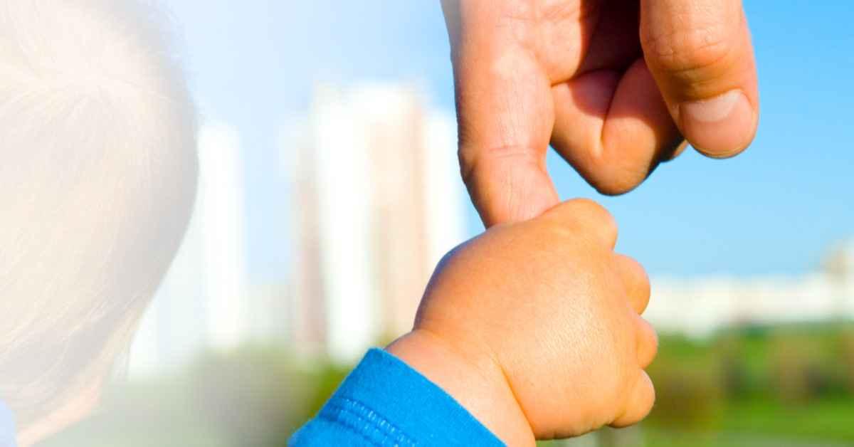 2109-hjertekraft-tillidens-kaerlighedskraft-baby-haand-mor-1200x628.jpg