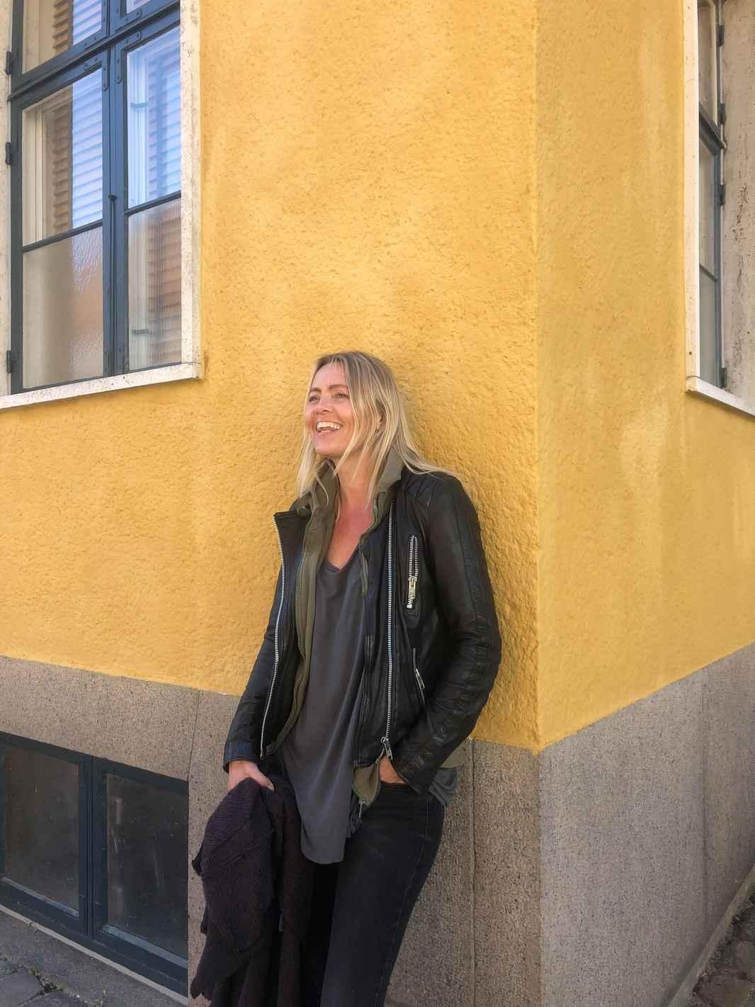 Pia gul væg.jpg