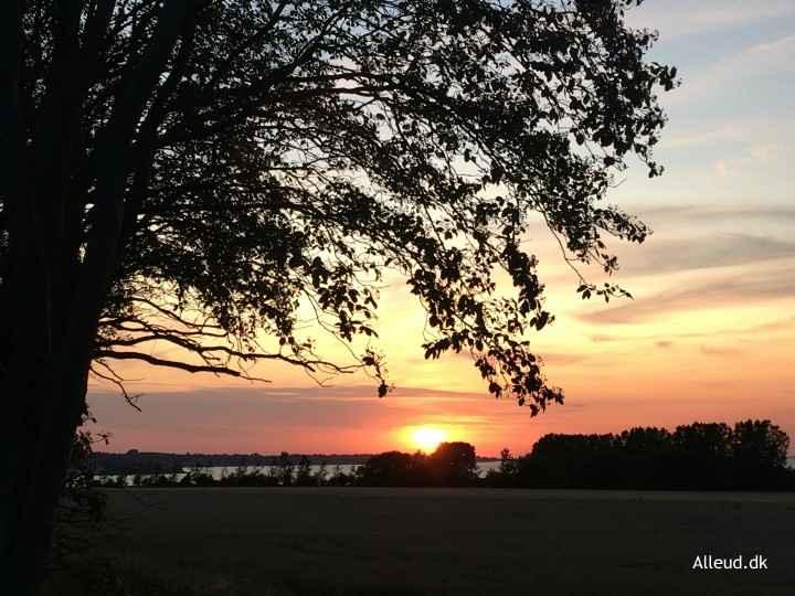 Oestersoeruten-danmark-cykeltur-solnedgang.jpg