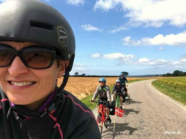 Cykelferie-cykeltur-oestersoeruten-nationalrute-8-familie-vendt-edited.jpg