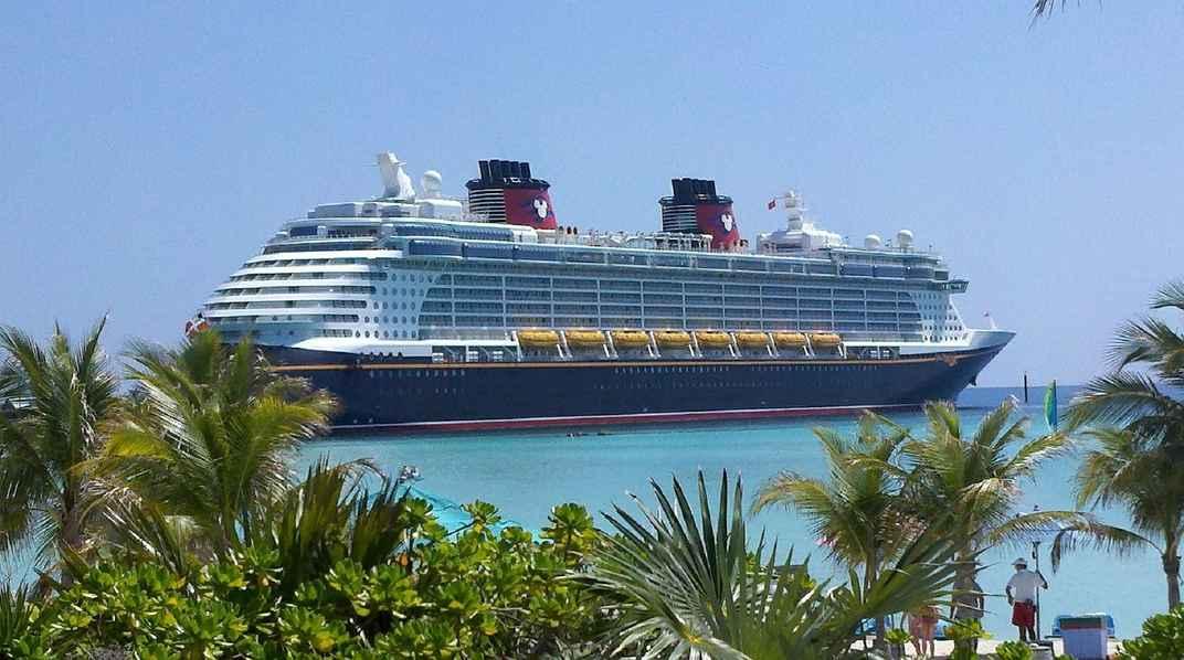 cruise-ship-615116_1280 (1)