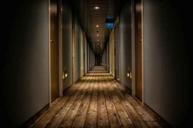 hallway-hypnose.jpg