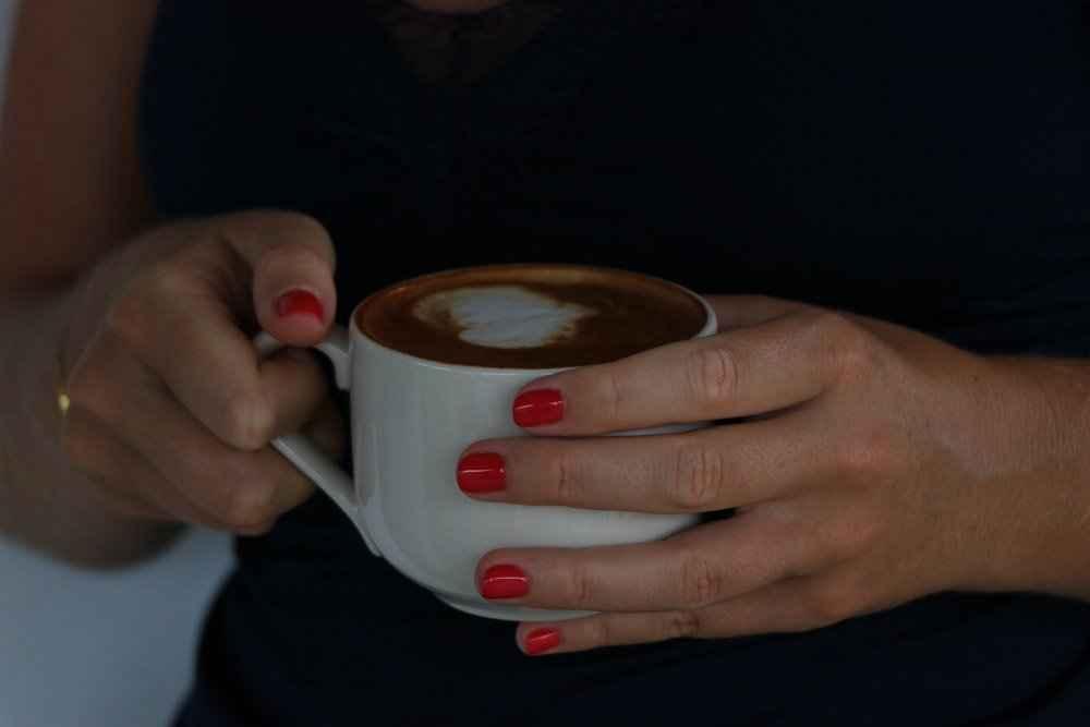 xTine-Dirckinck-Holmfeld-Tine-Psychologist-coffee.jpg.pagespeed.ic.tbmn9QeBoF