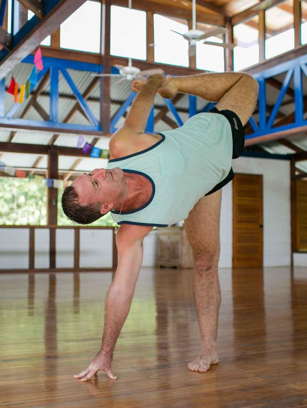 yogi aaron at blue osa practicing yoga