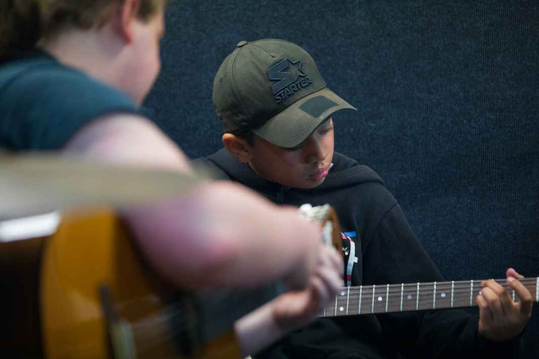 guitar lessons for kids, beginning guitar for teen, ukulele classes