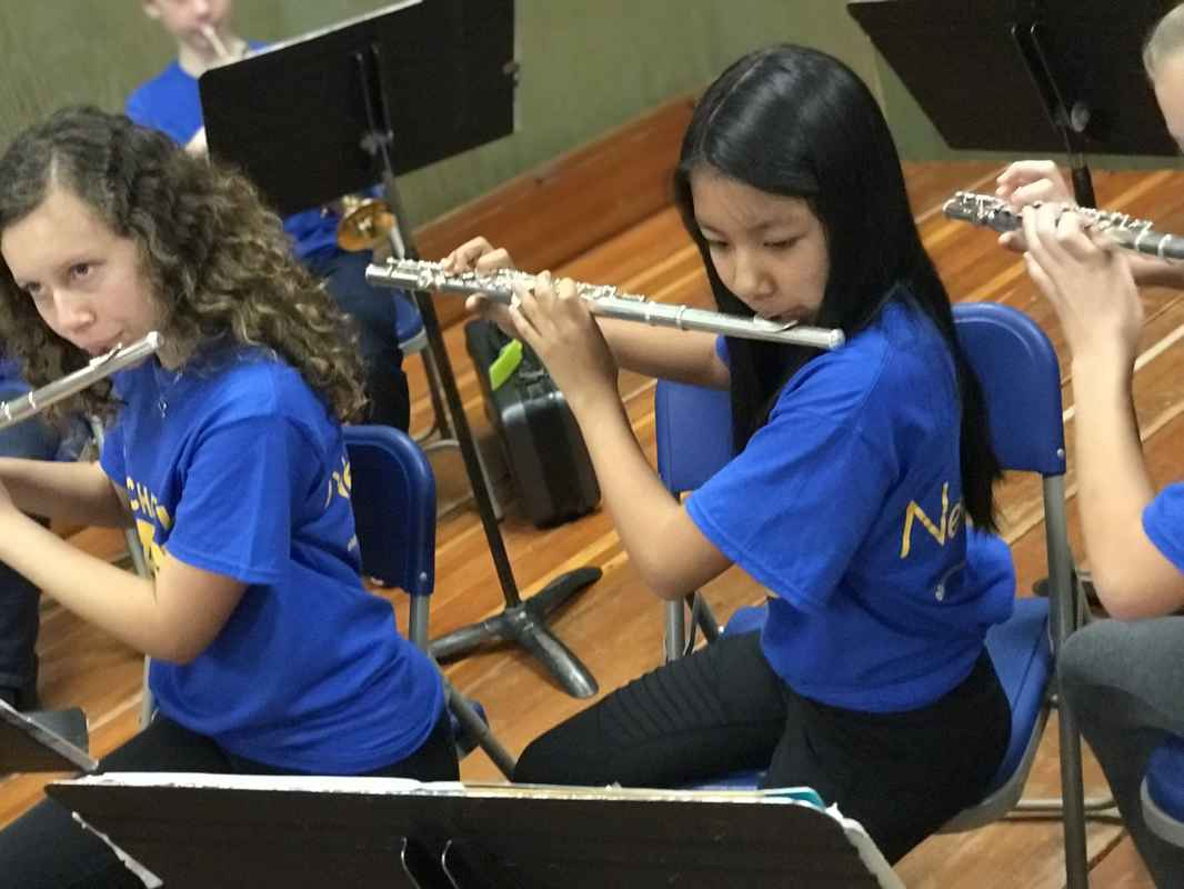 flute students, woodwind lessons in elementary band