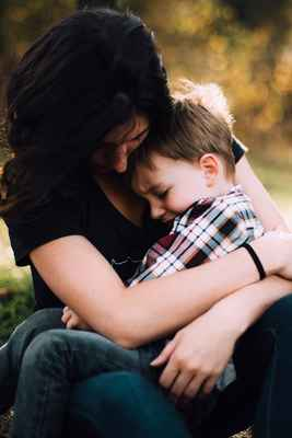 Hjælp dit vrede barn til at falde til ro