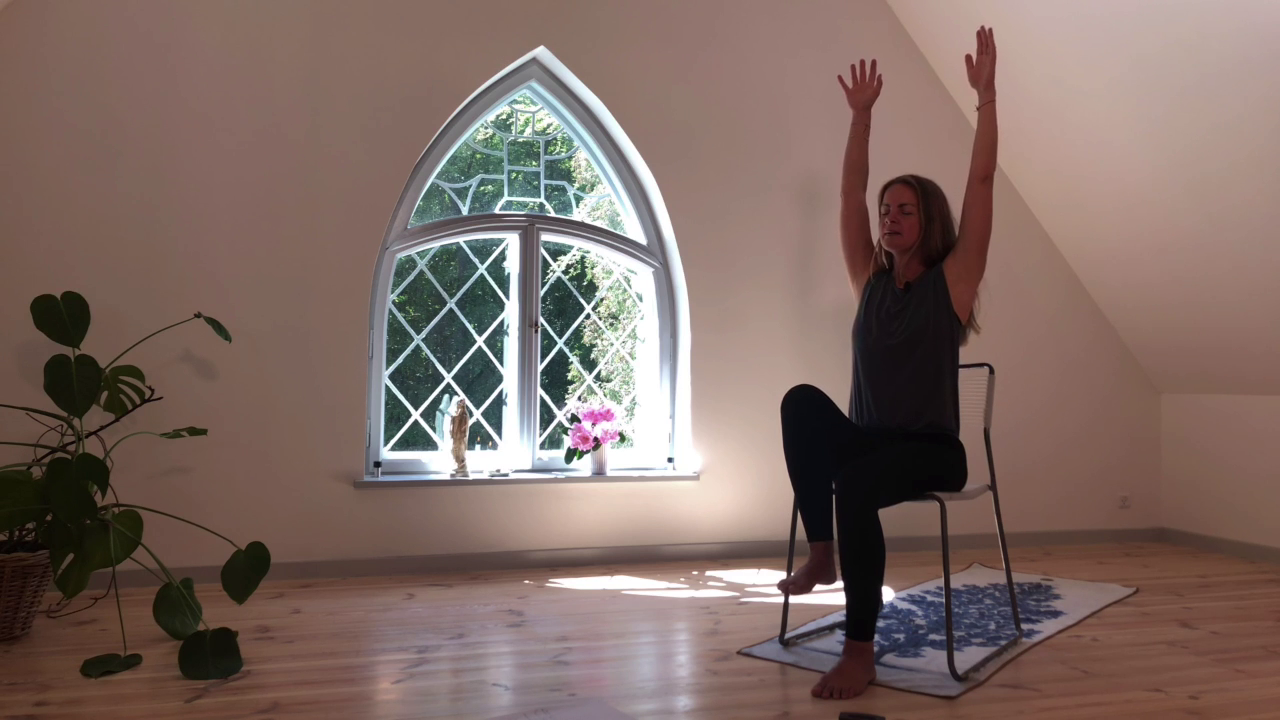 4. Stol på yoga