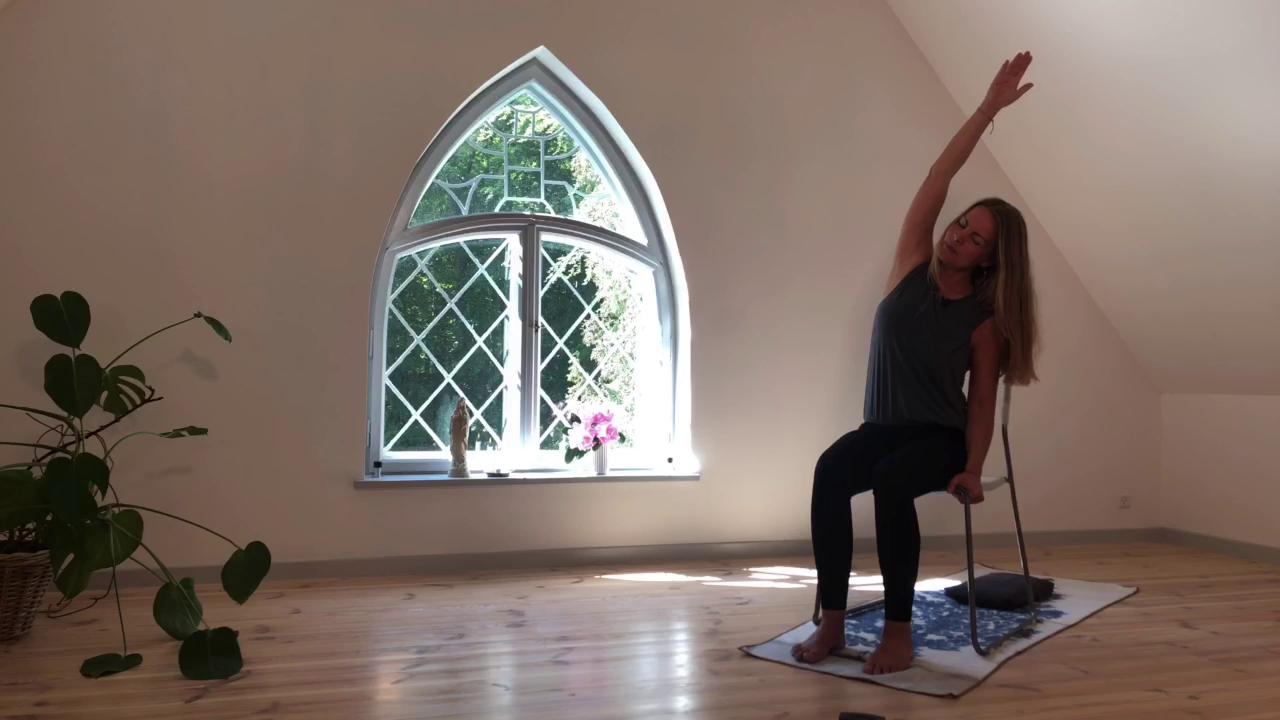 2. Stol på yoga
