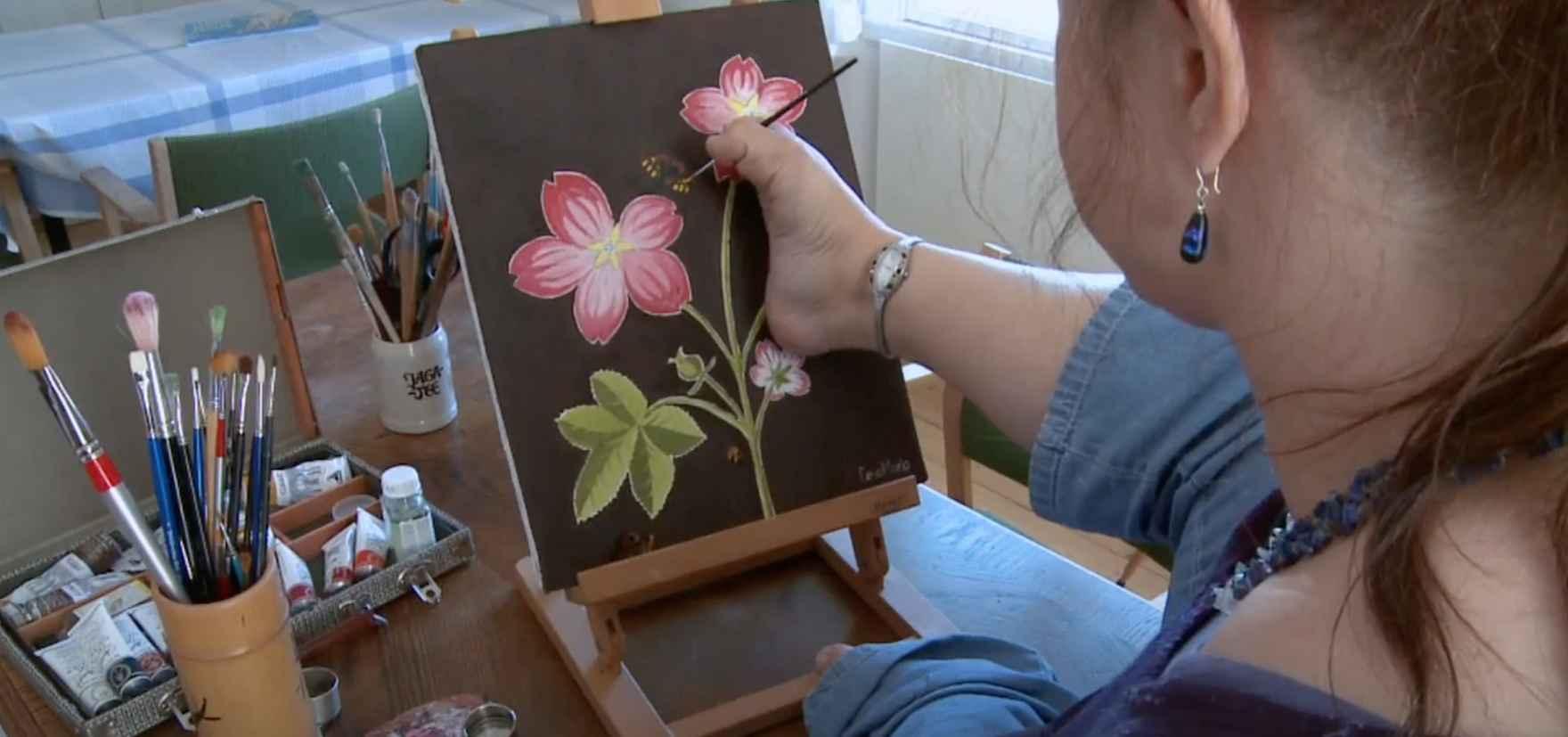 Lena målar