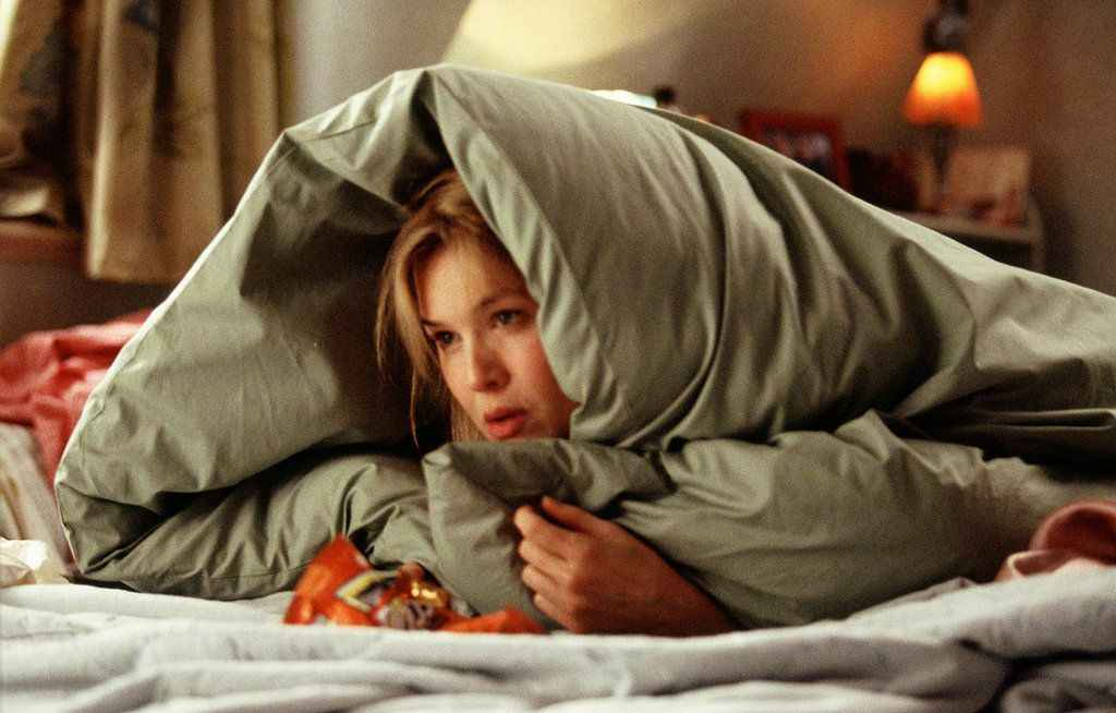 1451509923-bridget-jones-diary-renee-hiding-under-the-covers