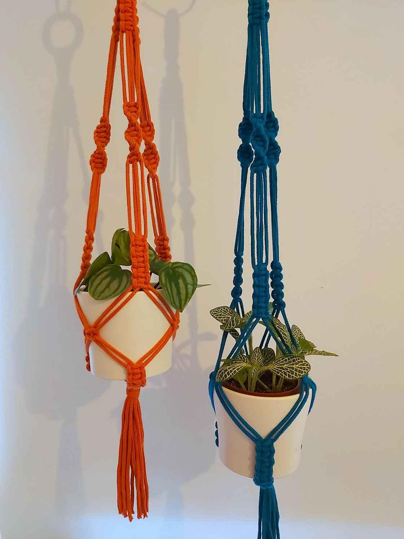 Macrame Plant hanger pic 1.jpg