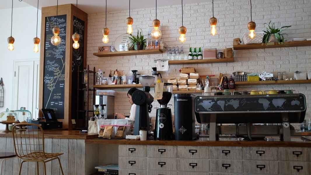 coffee-shop-1209863_1280