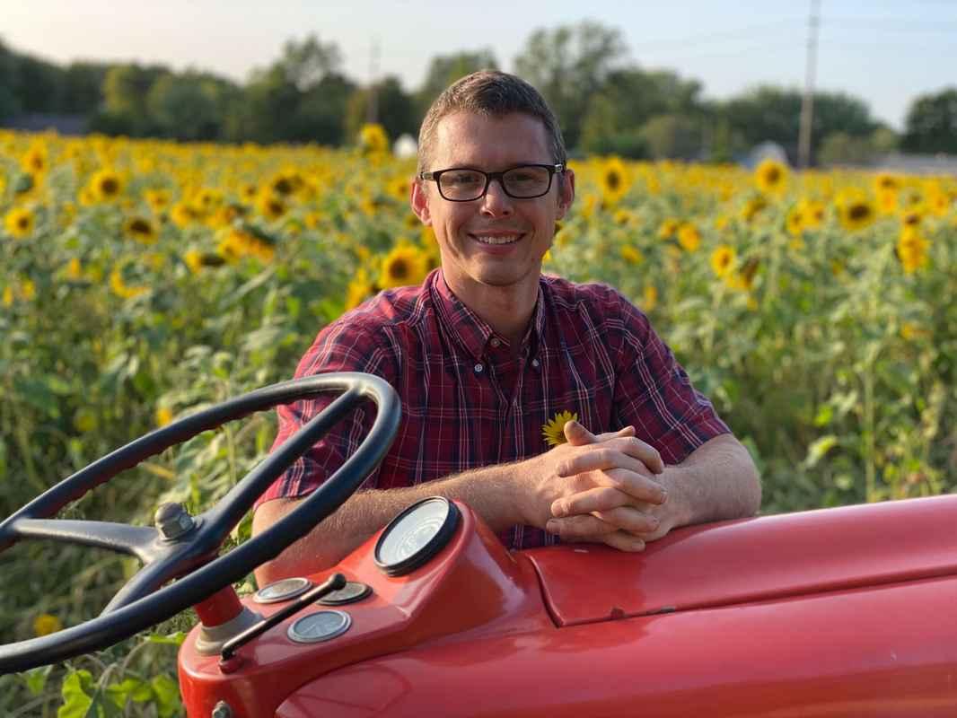 MK- Tractor- Sunflower - Smile