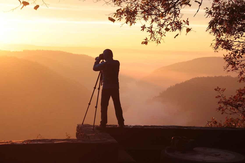 photographer-3804979_1920