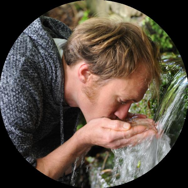 Quinn spring drink water circle