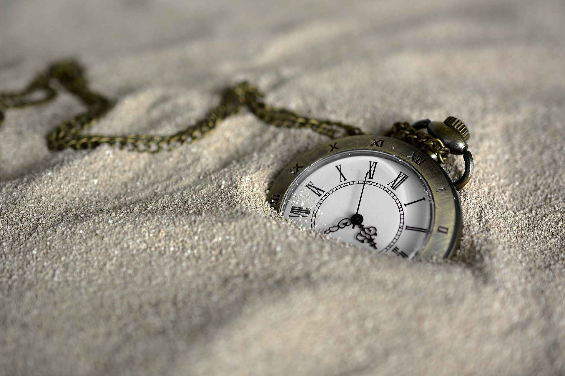 time-dissolving-in-sand