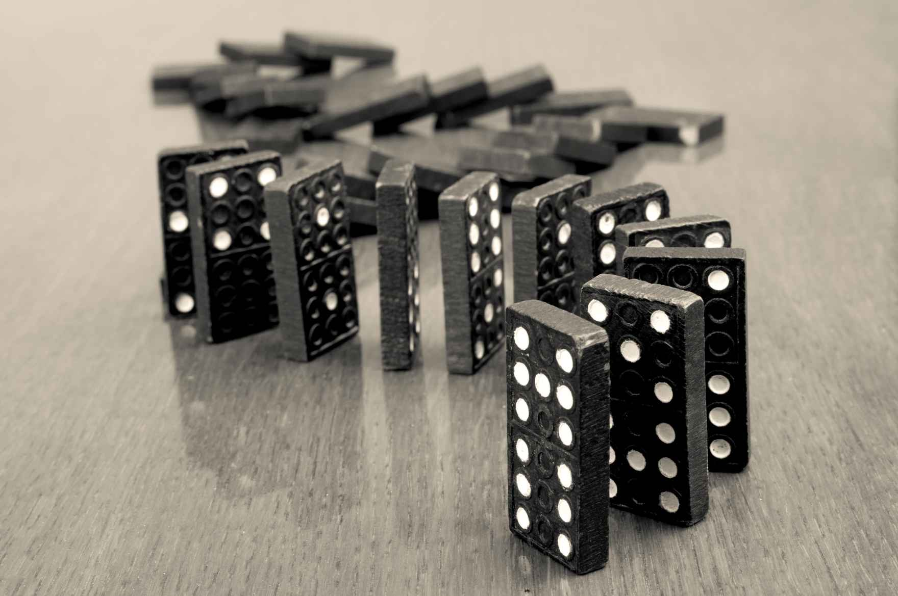 power-of-sequencing-dominoes-row