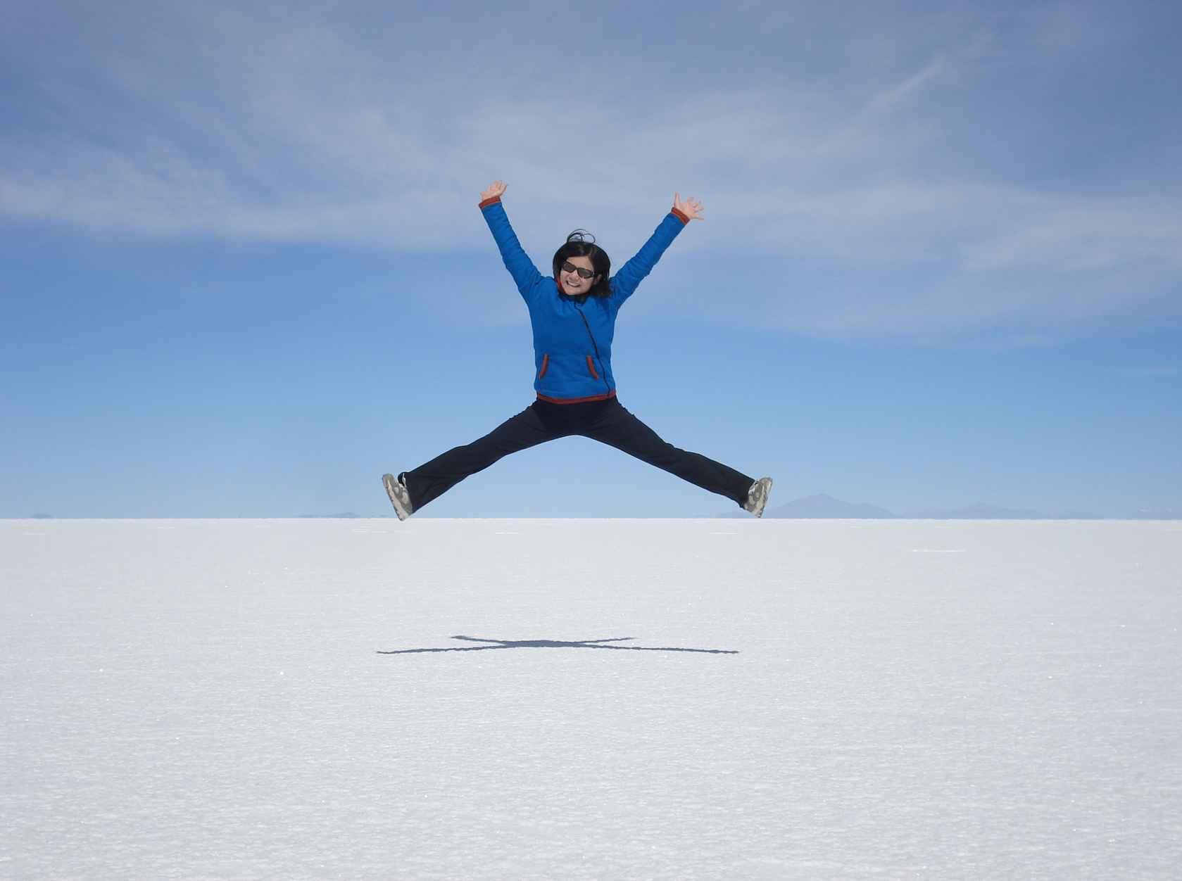 DSC04392_best_jumping_cropped-SalarDeUyuni-Bolivia