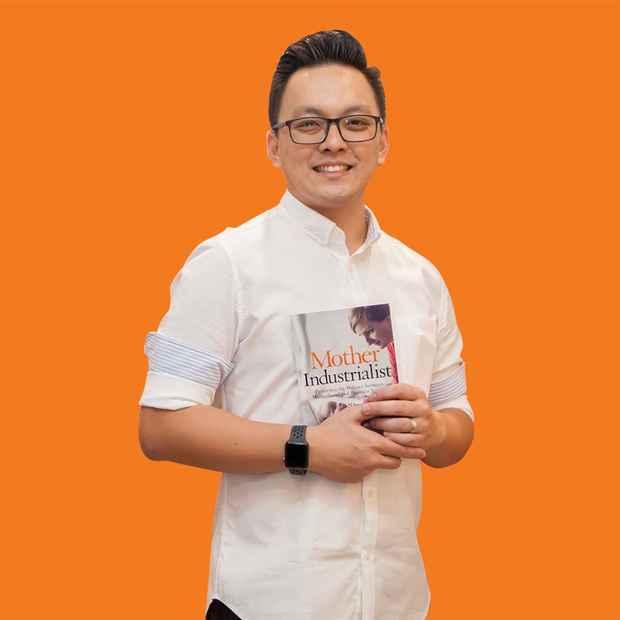 Kenneth profile with orange bg 2